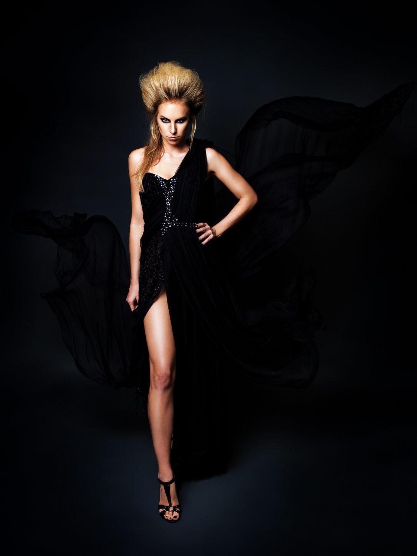 Nadine Friedrich. Fashion: Klaus Tyler