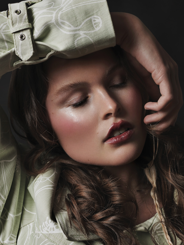 Paula. Fashion: Vanessa Schreiner
