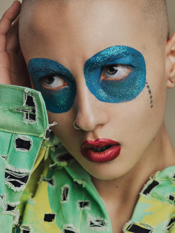 Sarah Bzoch. Fashion: Alessandro Santi