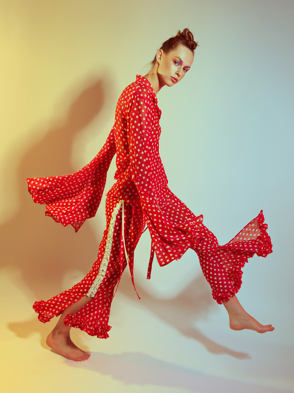 Iva Remiasova. Make-Up: Sarah Bzoch. Fashion: Patricia Narbon.