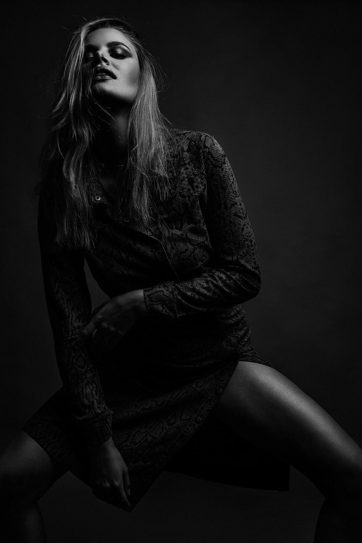 Julia. Make-Up: Laura Hiller.